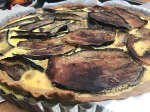 tarte fait-maison à l'aubergine